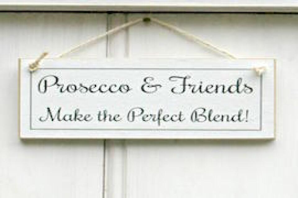 Prosecco Makes Friends